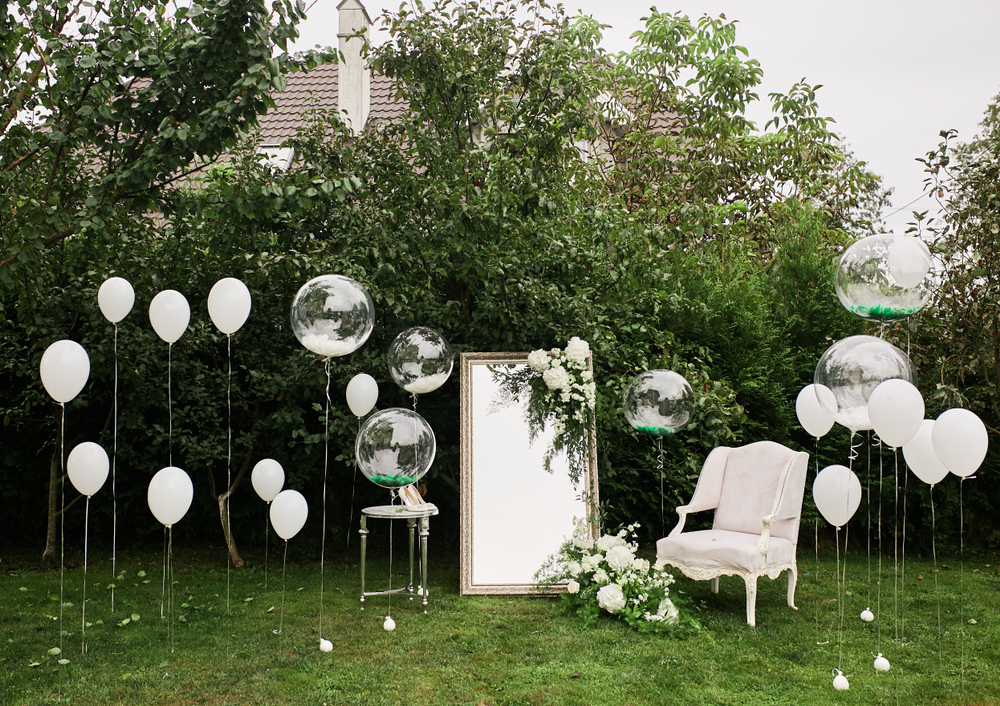 How to Make a Memorable Photobooth Backdrop